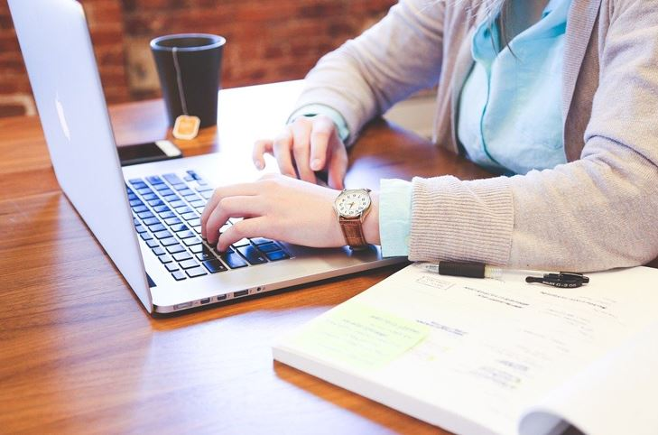 """Online-Seminar """"Präsentationen halten"""""""